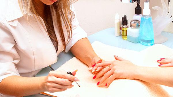 Где и как искать клиентов мастеру маникюра